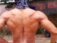 Indonesian Bodybuilder vidz Bayu Riswana  super tryna get some tan