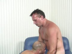 Shaved head vidz latino wants  super to put a creampie into his DILF coworker