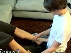Guy teenagers vidz feet fetish  super and gay twink cum on foot Hung Boy Worships A