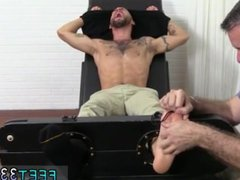 Guy has vidz sex with  super cow gay porn and strong