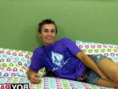 Sexy twink vidz Jacobey London  super jerking his cock after interview