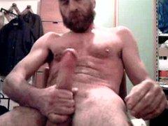 Biug dick vidz daddy bear  super shooting on his beard