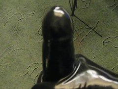 Amateur gives vidz self a  super Latex handjob