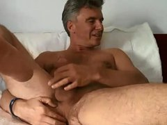 Hunk daddy vidz cumming playing  super with ass