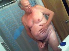 Johannes B. vidz alleine im  super Bad
