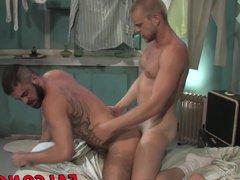 Big dick vidz blond hunk  super barebacking this hot sexy brunette dude