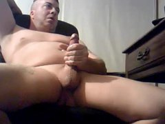 Beefy daddy vidz with big  super cock