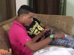 Couple of vidz bored Latino  super twinks giving head for fun