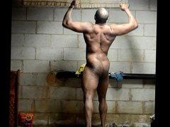 bodybuilder posing vidz naked