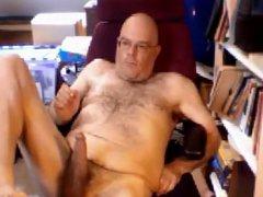 Hot daddy vidz bear with  super long dick wanking