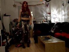 sandralein33 Redhead vidz dancing in  super Leopard Outfit
