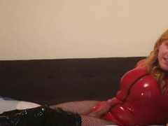 Huge Cock vidz Tranny Suleika  super Latex in Bodysuit Blowjob