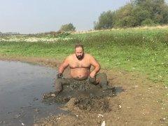 Jons mud vidz fun at  super lake in 2016