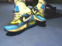 Brincando com vidz os tenis  super Nike Air Max