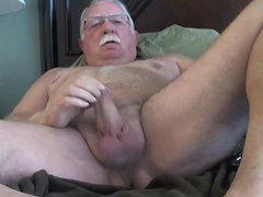 Sexy mature vidz man playling  super his cock