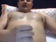 Hunk daddy vidz wanking on  super bed