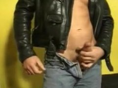 Two leather vidz clad guys  super cruising in toilets
