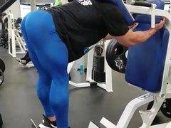 Muscled male vidz butt