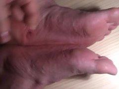 05 - vidz Sperme sur  super mes pieds - Cum on my feet