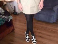 Naughty Gigi vidz shows off  super her new skirt