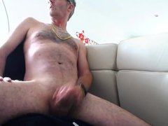 Mark's huge vidz cum shot  super from a semi :O)
