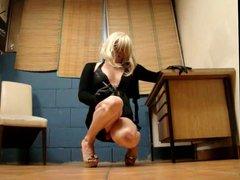 tx-walk,upskirt in vidz high heels