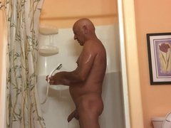 Masturbating in vidz the shower