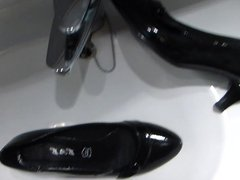 Piss in vidz mother-in-laws black  super patent high heel shoe