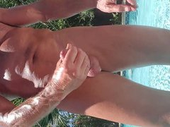 Pool milking vidz the cock
