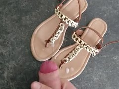 Great load vidz on brown  super summer sandals