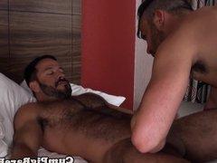 Bareback anal vidz trio with  super guys pounding butt