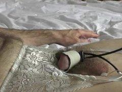 Masturbating with vidz Electro Cum  super Hands Free 220517