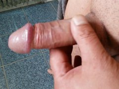 Playing with vidz my cock