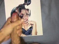 Ariana Grande vidz cum tribute  super 10