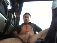 Jerkoff in vidz a bus
