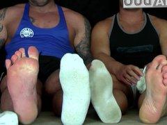 GAY FEET vidz WORSHIP MUSCLE  super HUNKS FEET LICKING FOOT JOB BIG COCK