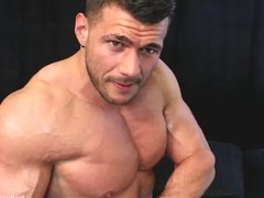 British Hunk vidz Oily Muscle  super Worship