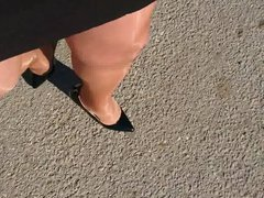 Roadtrip in vidz shiny pantyhose  super and high heels
