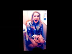 Ellie Ford vidz on a  super toilet cum tribute