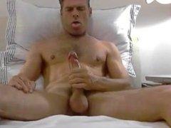 dad shoots vidz big load  super into his mouth