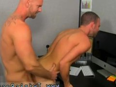 Black guy vidz wanking in  super trunk gay first time Muscle Top Mitch Vaughn Slams