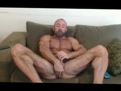 Muscle Papi vidz Jerks and  super Fingers his Asshole at JockMenLive