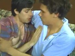 Two Guys vidz Make Love  super on Ugly Couch