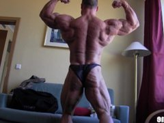 Ripped Veiny vidz German Bodybuilder  super Posing in Hotel Room