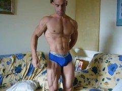 Bodybuilder Posing vidz Practice 40
