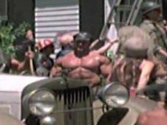 Bodybuilder gets vidz oiled up  super in Money Pit