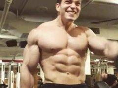 Young Shirtless vidz Muscle Bodybuilder