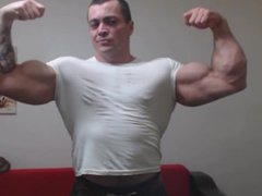 Big, Thick vidz Muscle Daddy  super Flexing!