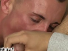 Soft blowjobs vidz gay worshiping  super that gentle peak to get the precum oozing