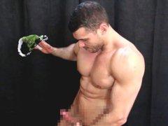 Ripped Hunk vidz Prepares Sniffing  super Parcel For Str8 Slave